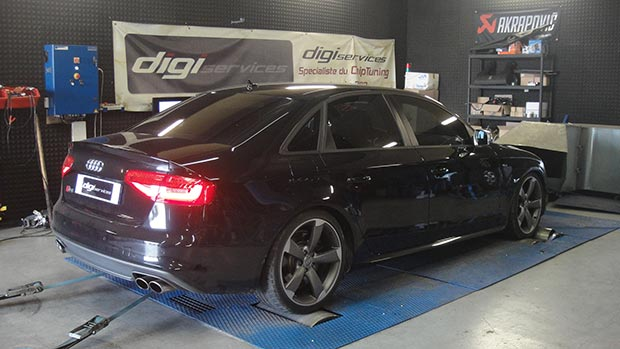 Audi-S4-tfsi-333-