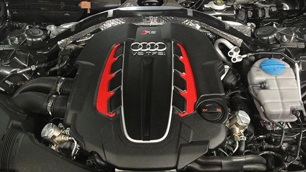 Audi-RS6-560-1