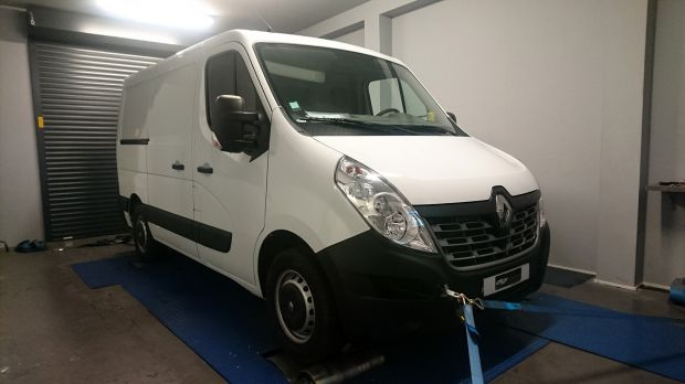 reprogrammation moteur renault master 2 3 dci 135 digiservices. Black Bedroom Furniture Sets. Home Design Ideas